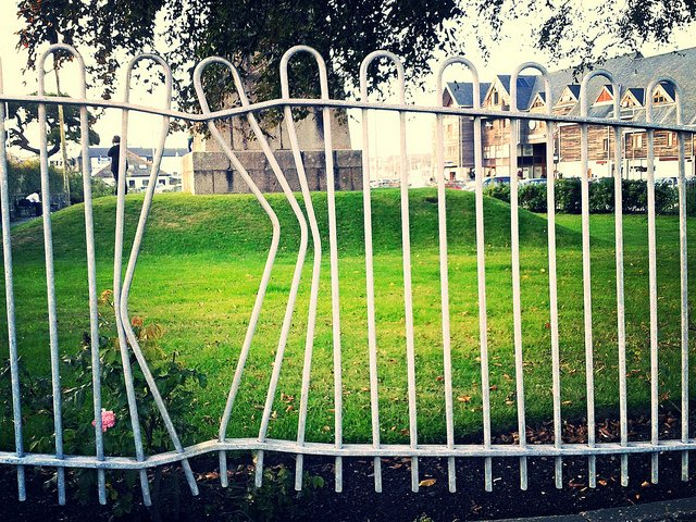 Bent Bars in a Fence for an Escape